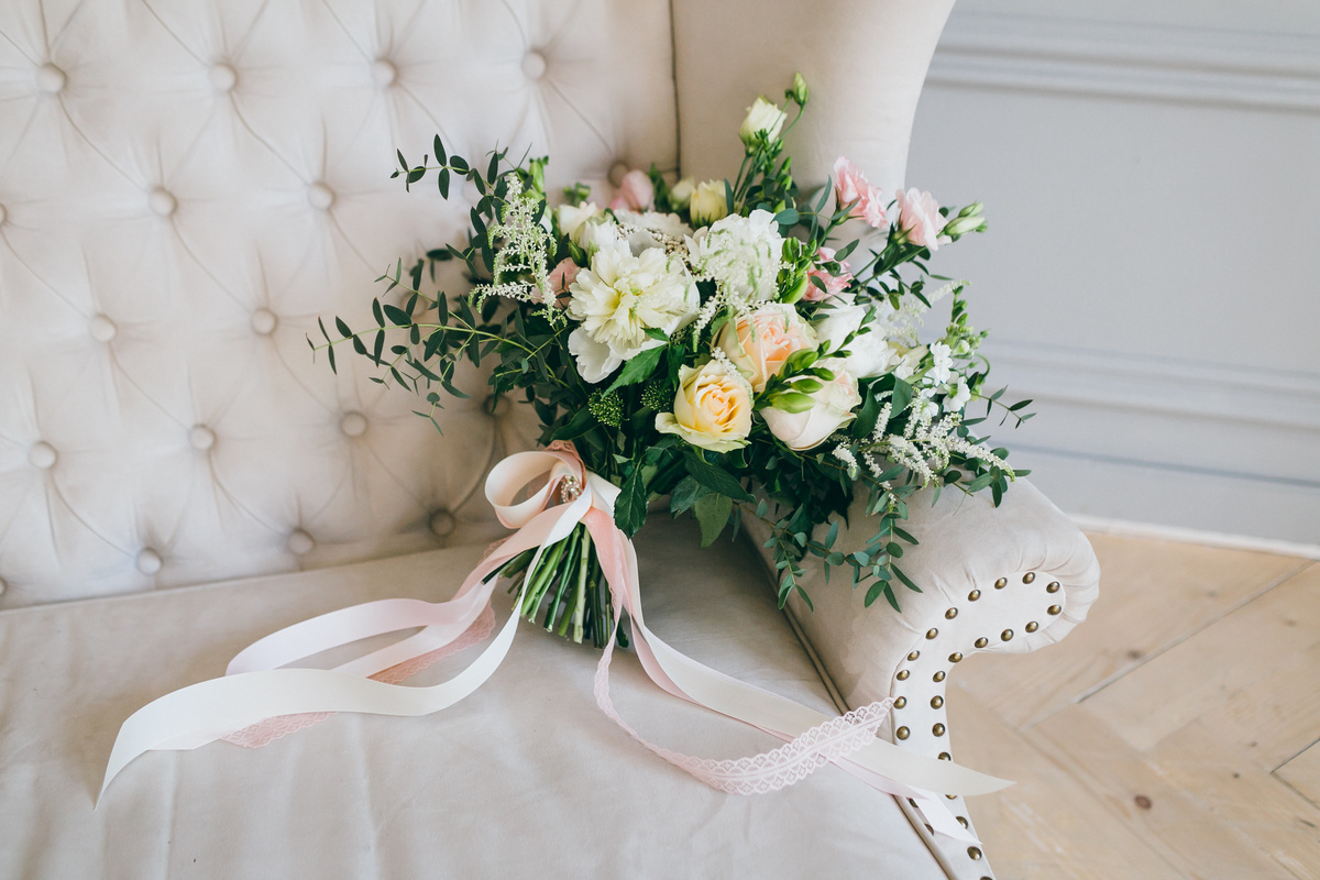 The ultimate guide to choosing wedding flowers