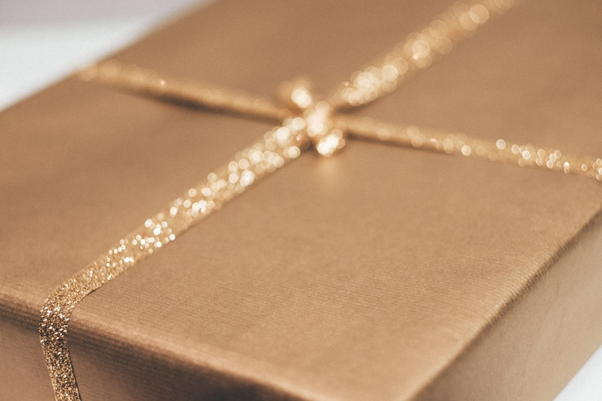 Wrapping up your engagement gift